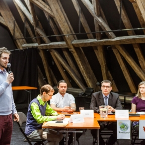 Týden globálního vzdělávání – panelová diskuze Víme, co jíme – 18. 11. 2014