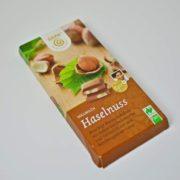 mlecna-cokolada-s-liskovymi-orisky-1